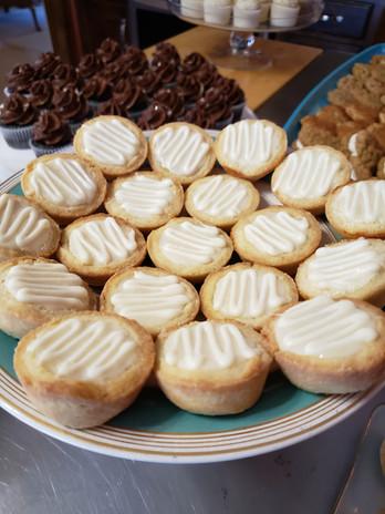 Mini white chocolate lemon tarts