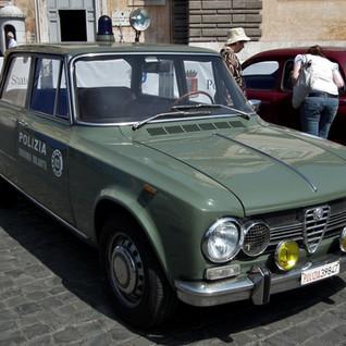 Alfa_Romeo_Giulia_Super_-_Polizia_di_Sta