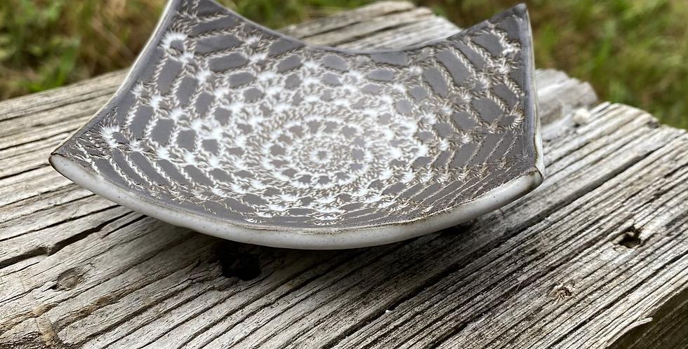 Sponge/Soap dish with lace pattern