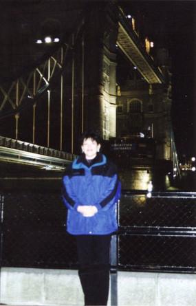 Tower Bridge England.jpg