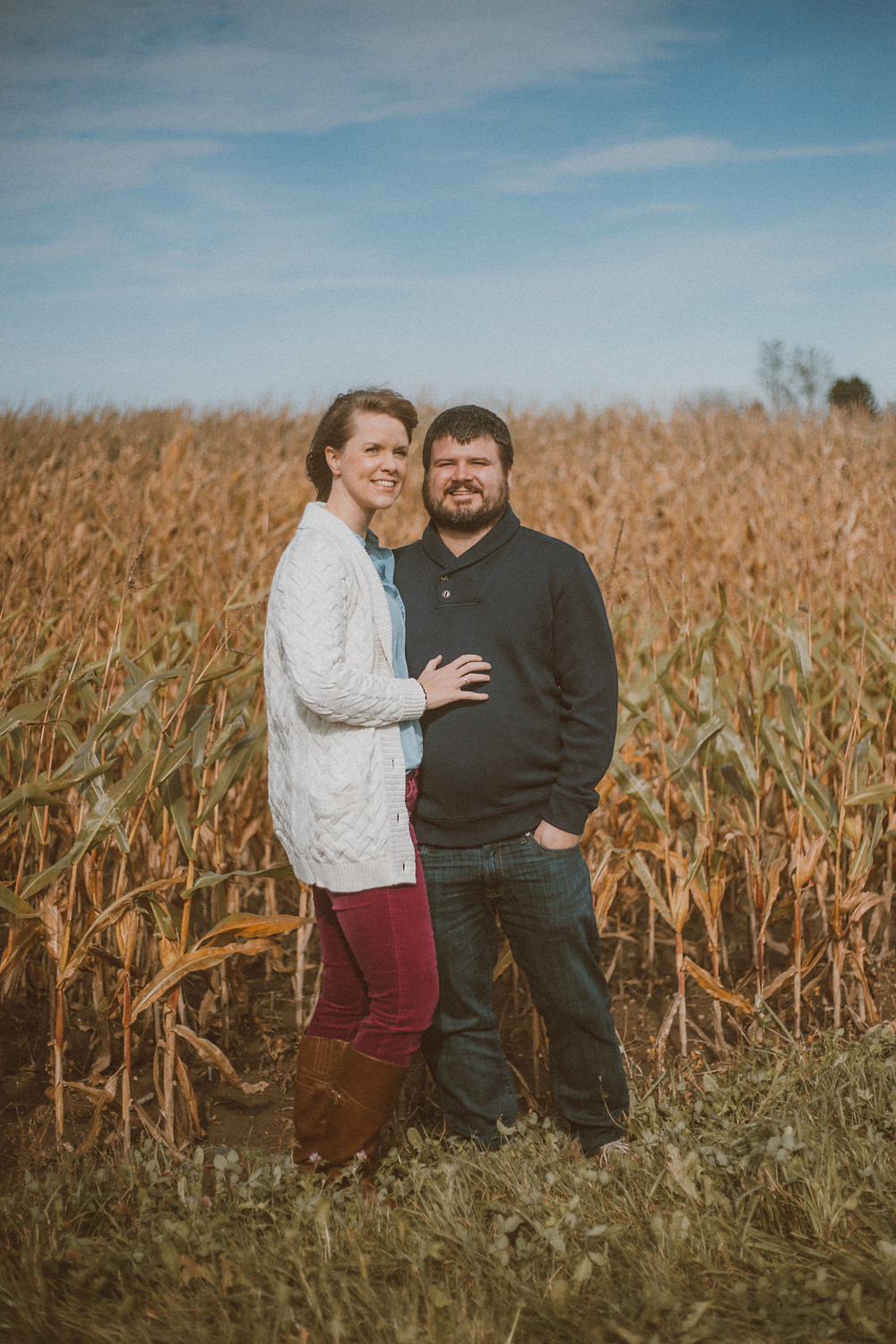 Fall mini sessions in a pumpkin patch. Lifestyle couples photography by Anna Gutermuth.