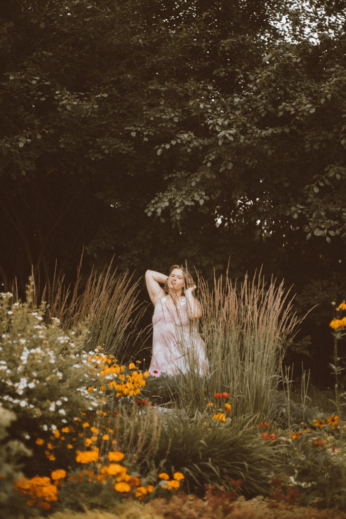 Summer Lifestyle Portrait Photography by Anna Gutermuth.