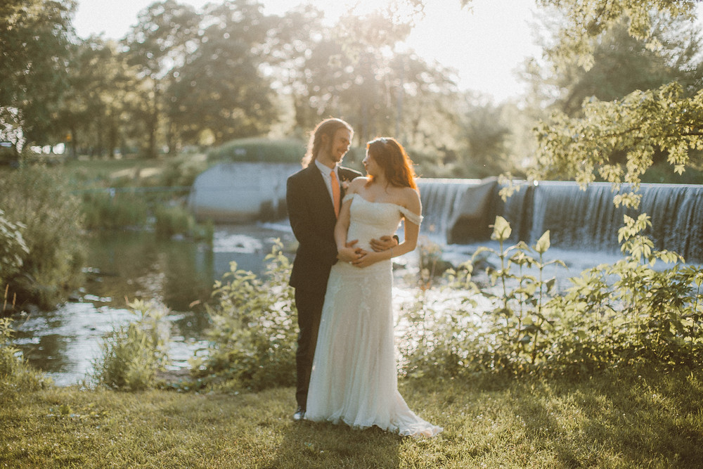 Romantic, fairytale wedding at Old Coon Creek Inn in Beloit, WI. Photographed by Anna Gutermuth.