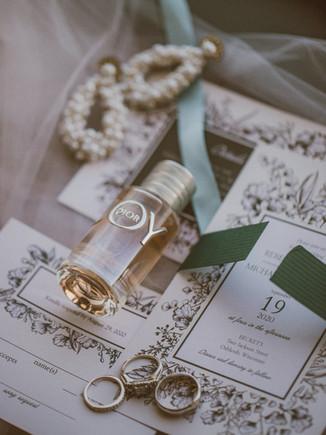 Basic Invite | Wedding Invites & Holiday Cards | Vendor Spotlight