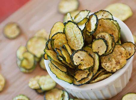 Chips de concombre au sel et vinaigre au deshydrateur