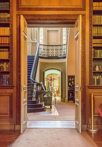 StaircaseFromLibrary_crShannonPhillips.j