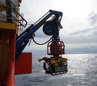Survey and inspection ROV launch from si