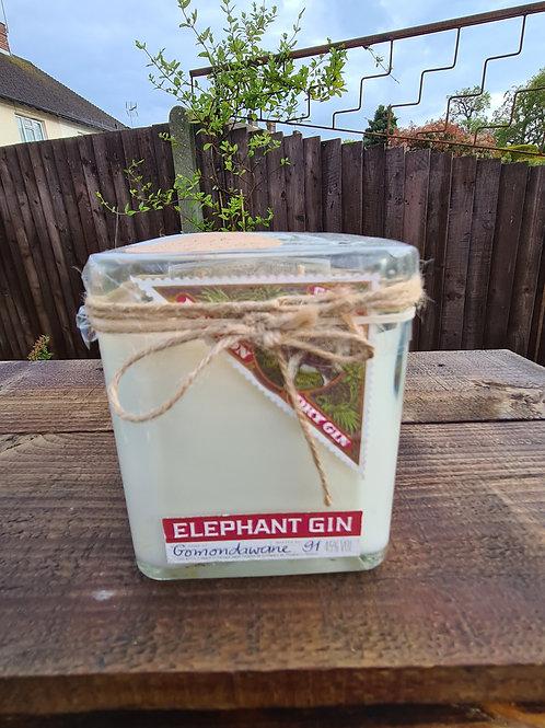 Elephant gin , mint and rhubarb, 2 wick , 300g