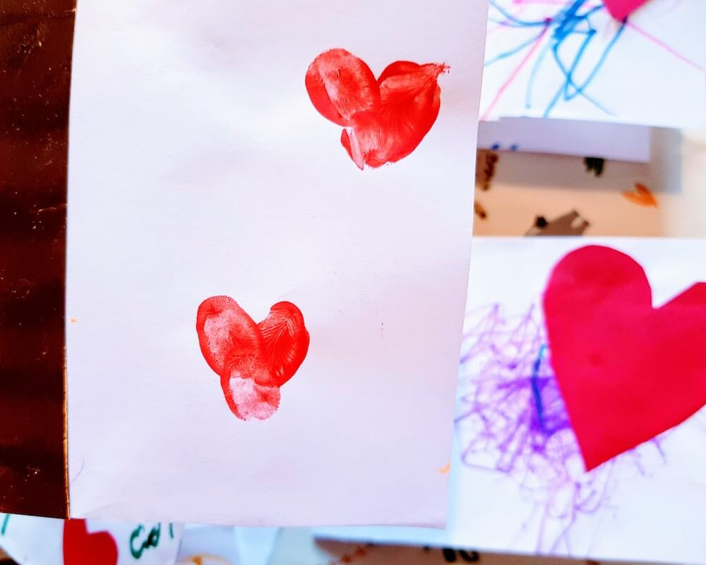 DIY valentine's card for kids. Finger-paint. Using finger tips