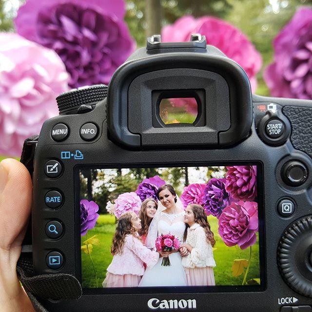 Милота)) #цветочныйдекор #оформлениесвадеб #цветы #невеста #свадебныйфотограф #bebeside #bebesidepho