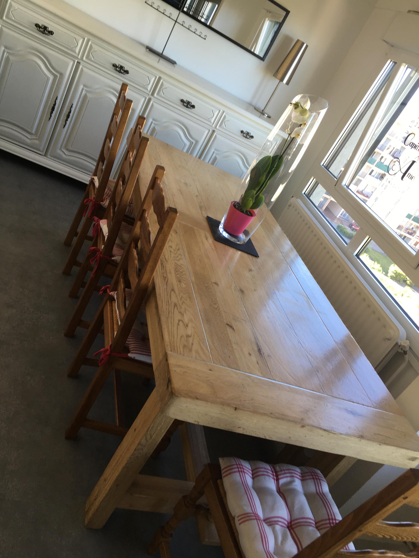 table fermière de la salle à manger