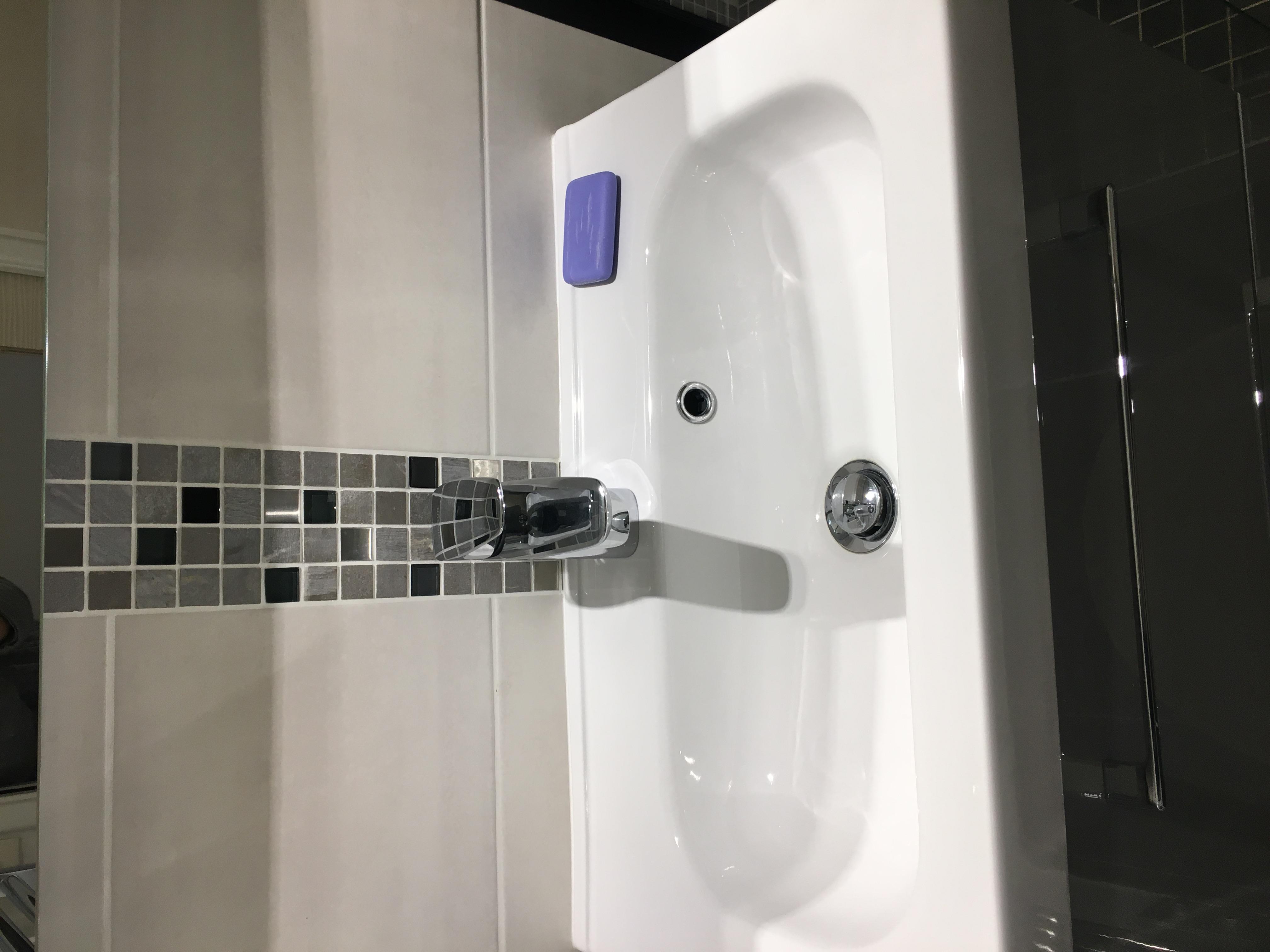 Lavabo salle de douche