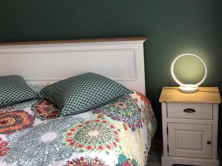 Bulle 5: Une  belle chambre baignée de soleil....