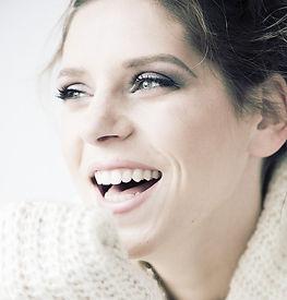 Zahnkorrekturen Zahnarztpraxis Dr. Vesela Burkert