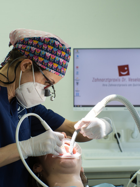 Dr. Vesela Burkert