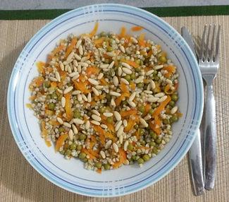 Веганские рецепты. Вегетарианские рецепты. Веганские блюда с фото. Вторые блюда.  Зеленая гречка с морковью и горошком