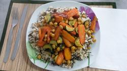 Смешанный рис с нутом и овощами