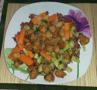 Веганская кухня. Вегетарианская кухня. Веганские рецепты. Вегетарианские рецепты. Веганские блюда с фото. Вторые блюда. Красный рис с морковью и соевым мясом