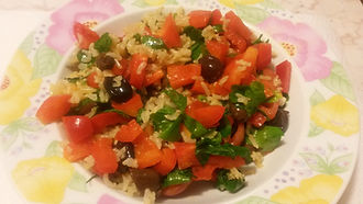 Веганская кухня. Вегетарианская кухня. Веганские рецепты. Вегетарианские рецепты. Веганские блюда с фото. Вторые блюда. Рис с помидорами, петрушкой и болгарским перцем