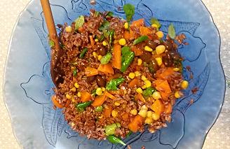 Веганская кухня. Вегетарианская кухня. Веганские рецепты. Вегетарианские рецепты. Веганские блюда с фото. Вторые блюда. Красный рис с оливками  и овощами