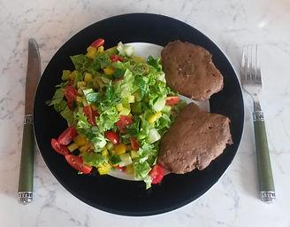 Веганская кухня. Вегетарианская кухня. Веганские рецепты. Вегетарианские рецепты. Веганские блюда с фото. Вторые блюда.  Масо сейтан с салатом