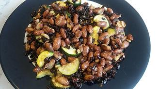 Веганская кухня. Вегетарианская кухня. Веганские рецепты. Вегетарианские рецепты. Веганские блюда с фото. Вторые блюда.  Чёрный рис с фасолью и кабачками