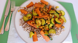 Веганская кухня. Вегетарианская кухня. Веганские рецепты. Вегетарианские рецепты. Зелёная гречка с нутом и овощами