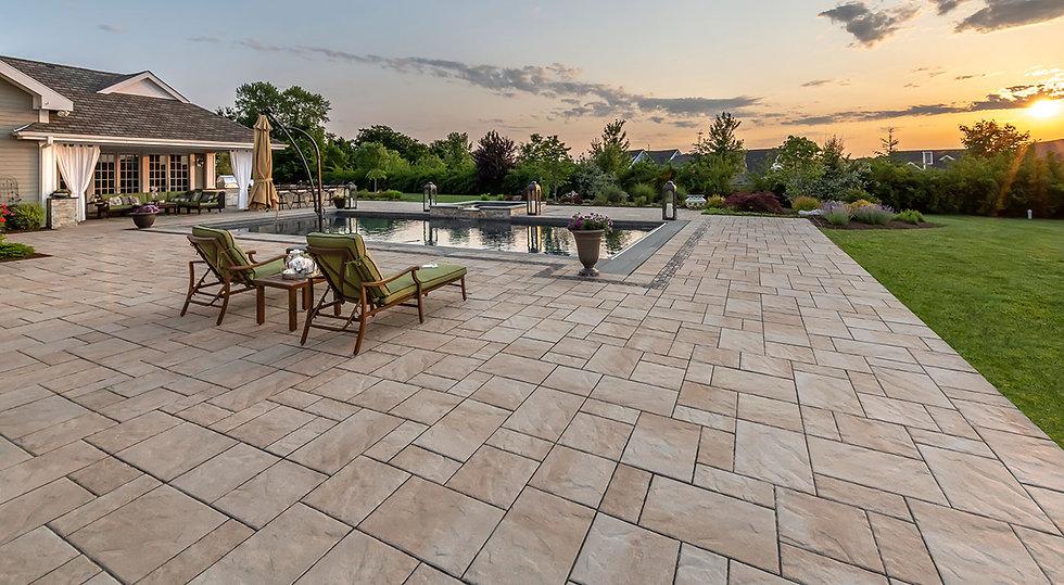 Beacon-Hill-Flagstone_Pool-Decks_Tuscany