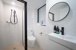 G08-Bathroom LR