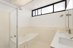 23.180 Spit Rd, Mosman - Bathroom