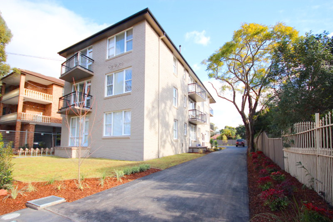8 Fifth Avenue, CAMPSIE