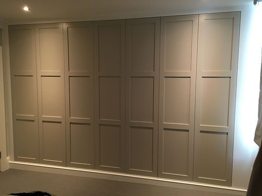 Fitted Wardrobe in Fulham, Fitted wardrobe parsons green, fitted wardrobes chickwick, fitted cupboards.