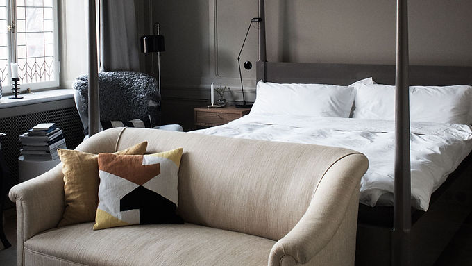 How to make your bedroom feel like a luxury hotel suite