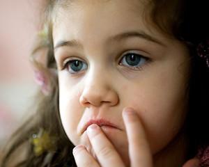 Çocuğunuzu Terör Olaylarının Travmatik Etkilerinden Korumak