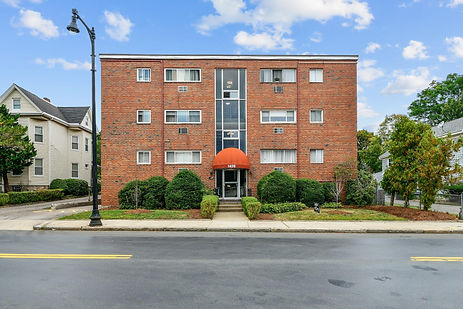 1409 River St Unit 4, Boston, MA 02136