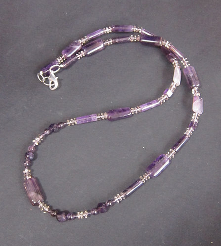 Galloway Beaded Necklace - Aunt Violet