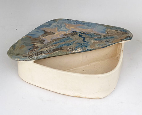 Leung - Rubenstein Porcelain Ikebana #2