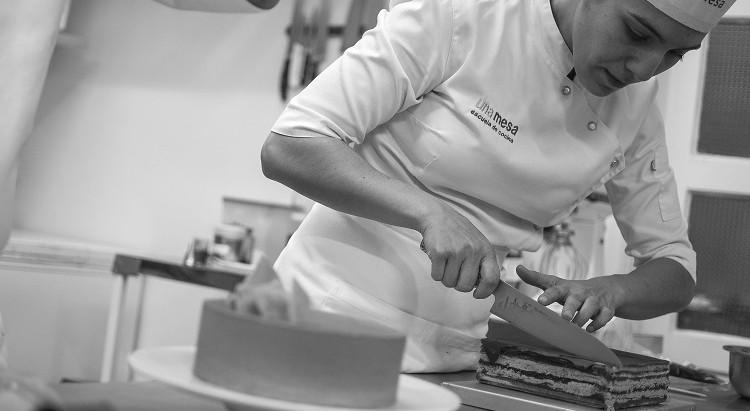 Secretos del macaron: entrevista a Julia Domínguez, pastelera de unamesa