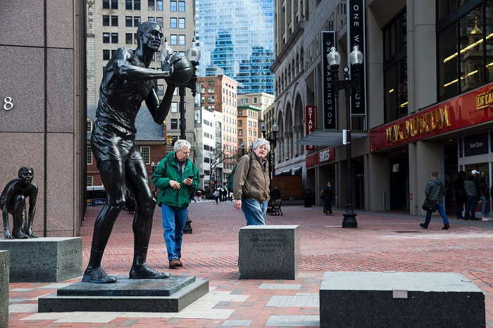 Bill_Russell_Boston_Celtics_NBA_Around_the_Game