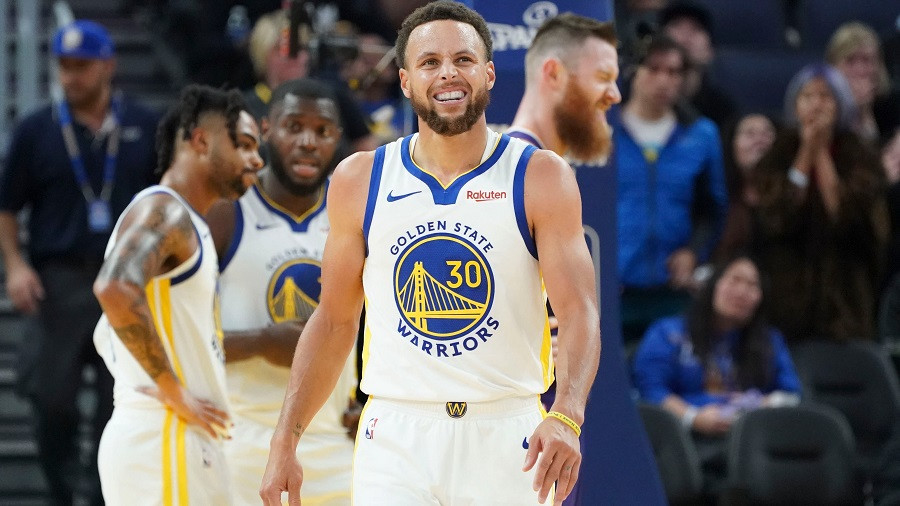 Stephen_Curry_Golden_State_Warriors_NBA_Around_the_Game