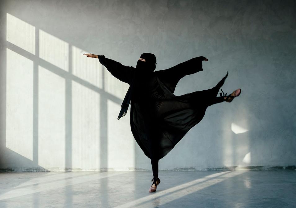 Saudi Ballerina   راقصة الباليه السعودية