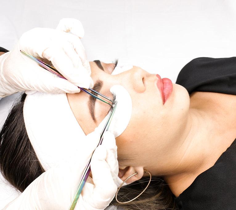 extensiones de pestañas facialtec