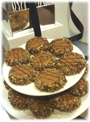 12 Gourmet Turtle Cookies