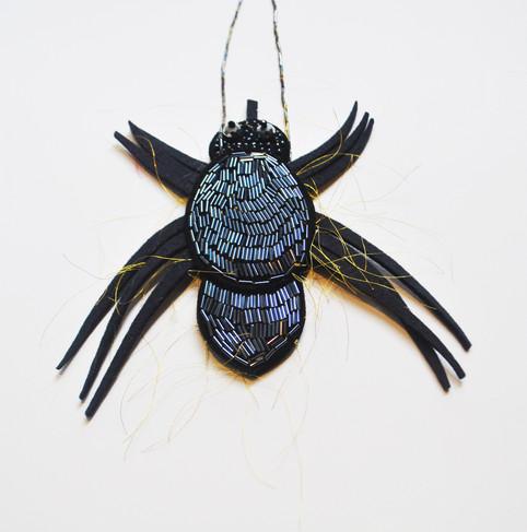 Araña necklace