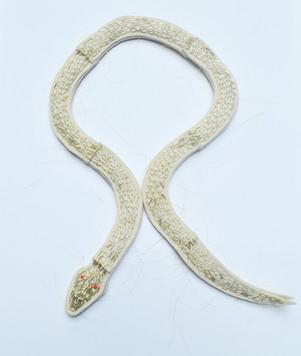 Serpiente Necklace
