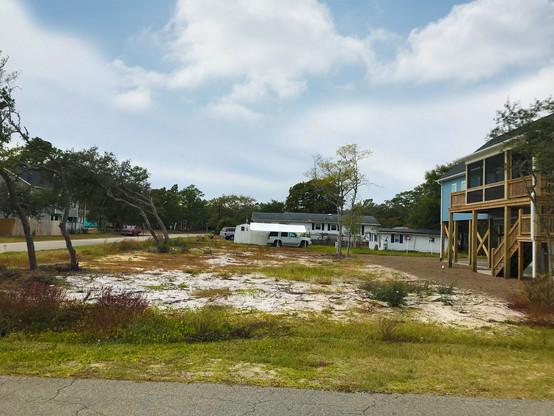 301 NE 51st Street Oak Island