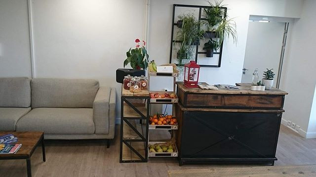 corner de fruits, fruits secs, snacks et boisson au bureau à paris et ile de france
