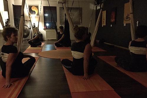 Aerial yoga les