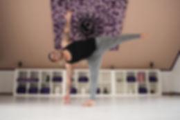 Yoga docent en eigenaar Vin Millarson
