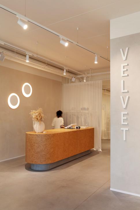 Velvet_Store_Peelvrouw_Counter